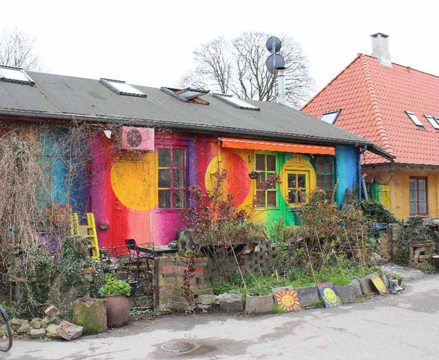kirstin-daenemark-kopenhagen-cristiania-hippie-kommune-bunte-häuser