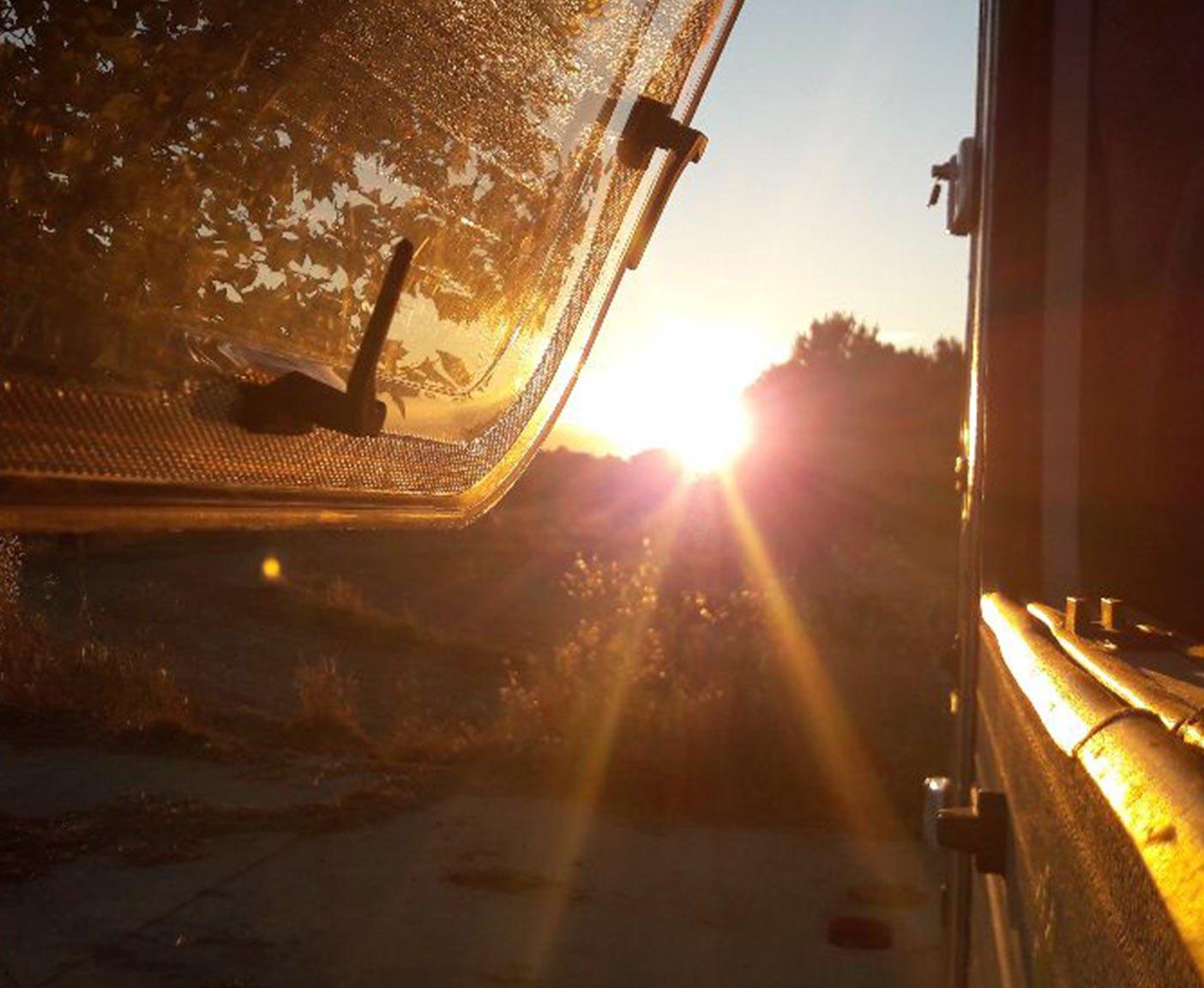 route-spanien-frankreich-mittelmeer-camper-roadtrip-stellplaetze-wohnmobil