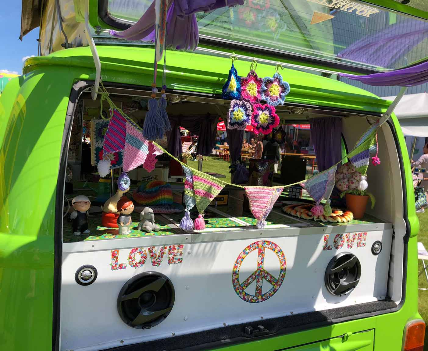 crazy-camping-oldtimer-hymer-museum-treffen-caravano-VW-T2