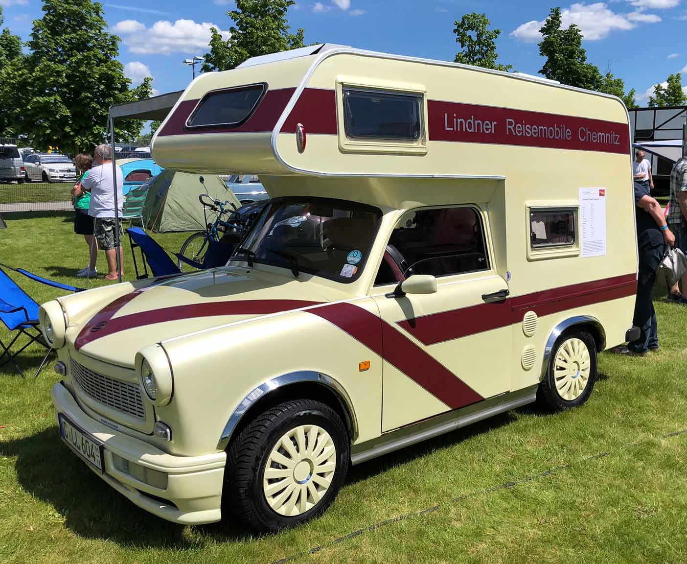 crazy-camping-oldtimer-hymer-museum-treffen-caravano-trabant-alkhoven