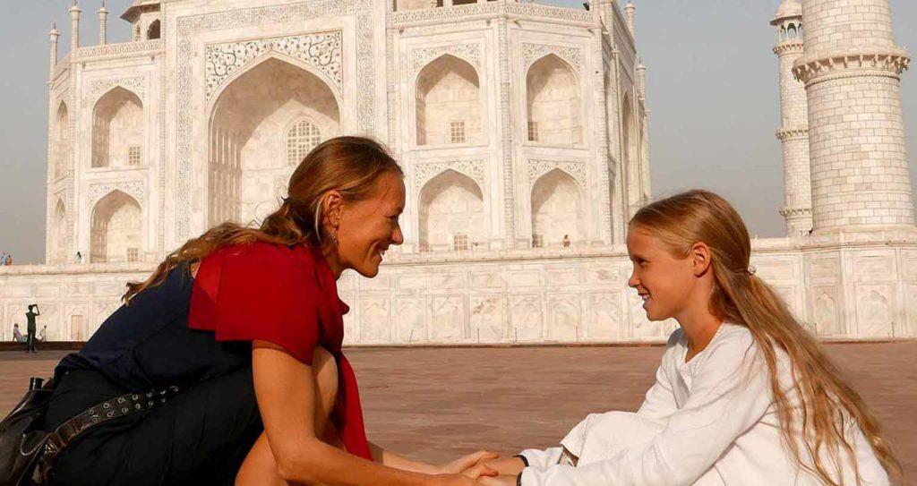 weltreise-mit-kind-schule-Taj-Mahal-Janu-Private-Tours