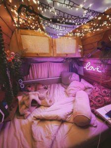 Camperausbauten - Vanlife -Reisen - Suzi Cruz - T3 - Bett
