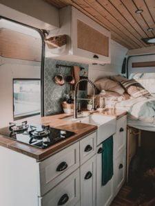 Camperausbauten - Vanlife -Reisen - Travelution - Küchenzeile