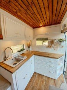 Camperausbauten - Vanlife -Reisen - Leben mit Fahrtwind - Küchenzeile