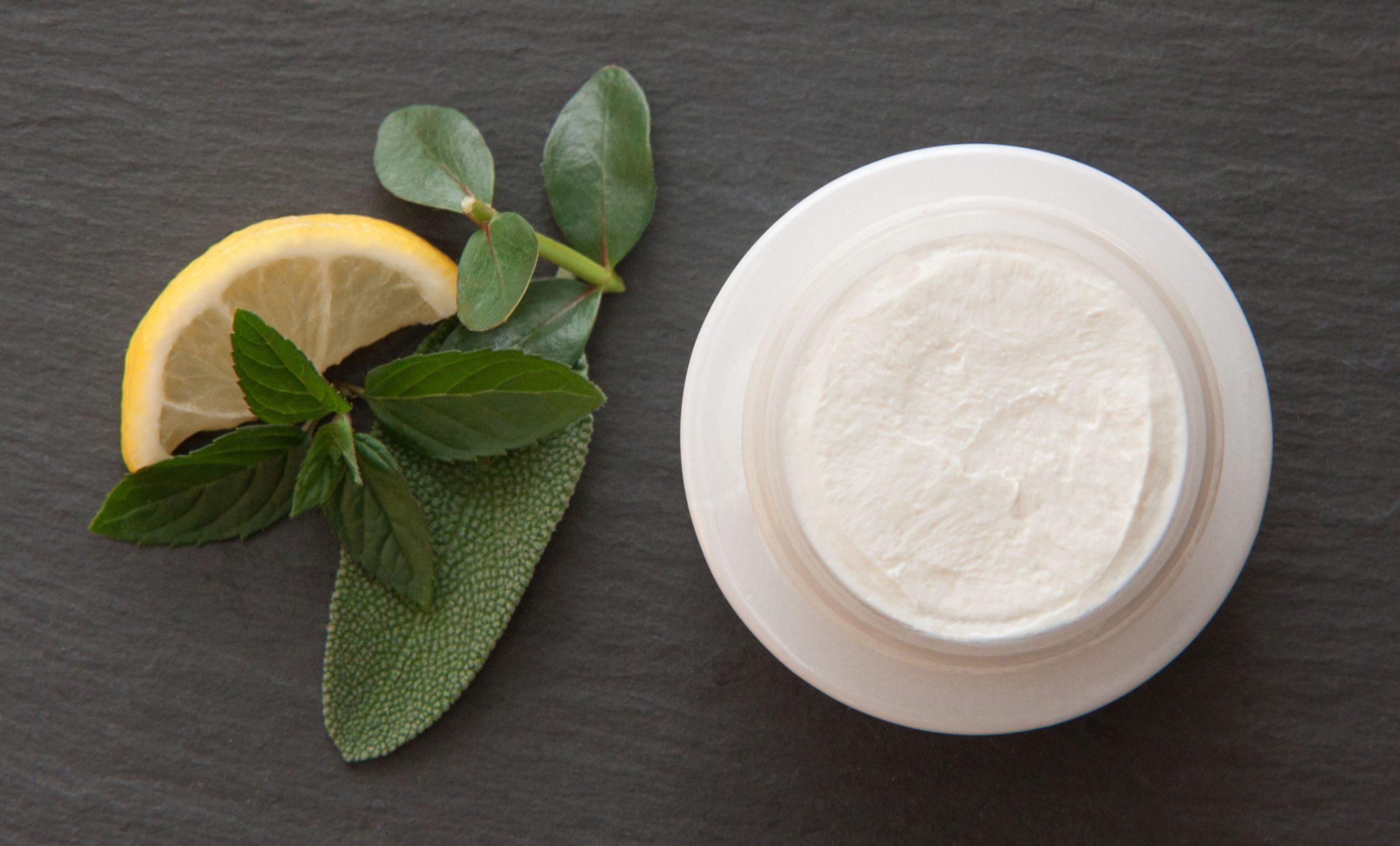 DIY-Kosmetik - Deocreme - nachhaltig - Kokosöl - Natron - Deorezept