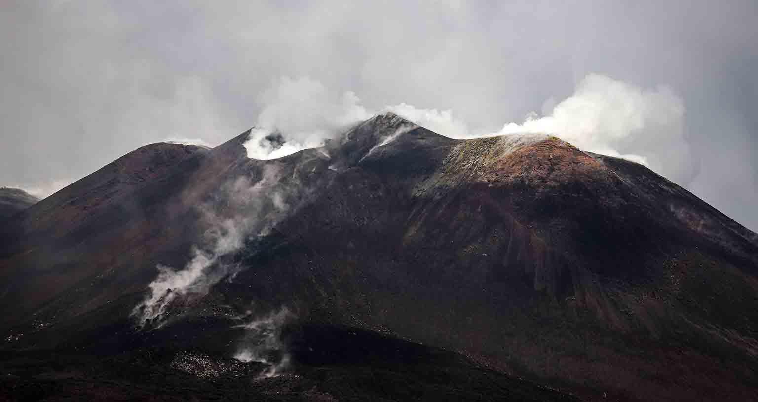 sizilien-van-life-frei-stehen-wildcampen-italien-wohnmobil-Etna-aetna-vulkan