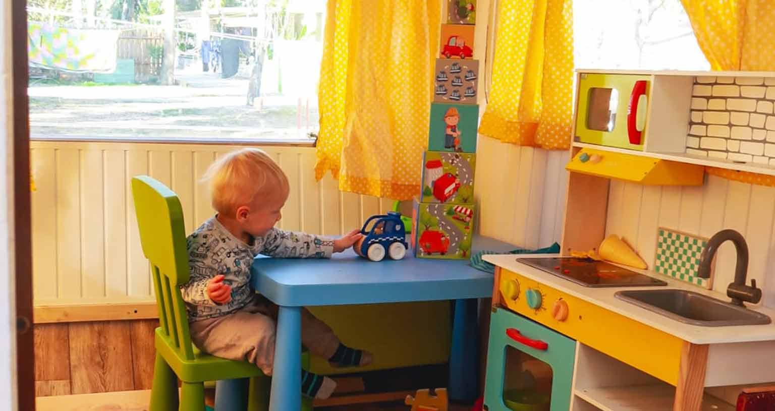 hibisbus peace love om van-wohnwagen kinderzimmer lt vw