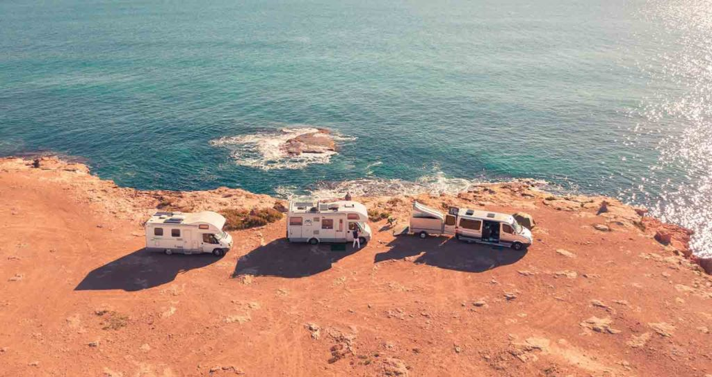 hitze-vanlife-wohnmobil-portugal-strand-freistehen