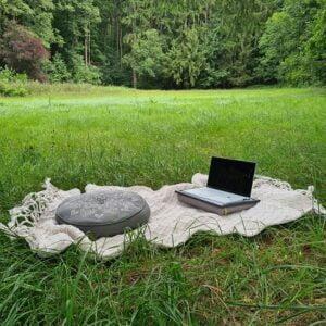 knietablett_peace love om outdoor